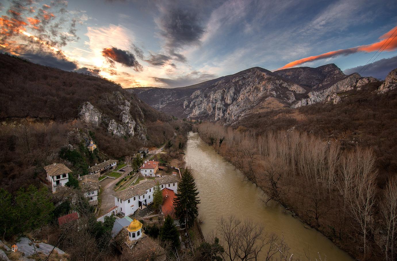 пейзажна фотография, Черепишки манастир